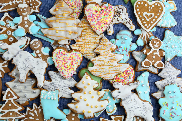 Christmas Holidays Decoration Temptation Cookies Sweet Food Sweets Homemade Handmade Many Gingerbread Icing Colors Colorful Baked High Angle View Shapes Top View Backgrounds Wallpaper Snack Cookie Choice Variation Large Group Of Objects Still Life Sweet No People Abundance Gingerbread Cookie Animal Representation Representation Celebration Multi Colored Holiday Art And Craft Indoors