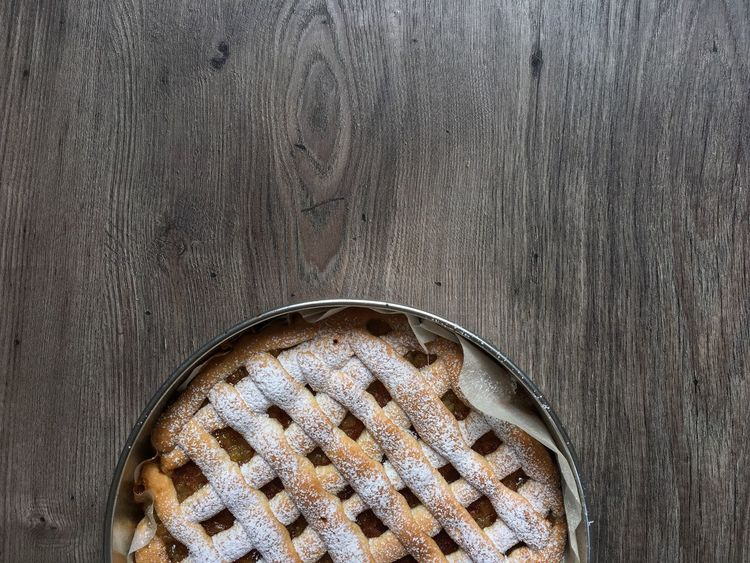 Apple pie Wood - Material Baked Sweet Food No People Indoors  Close-up Food Freshness Ready-to-eat Day Freshness Apple Pie Tart - Dessert Backgrounds Sweet Pie Indoors  Food And Drink Table Dessert Cake High Angle View Baking Pan