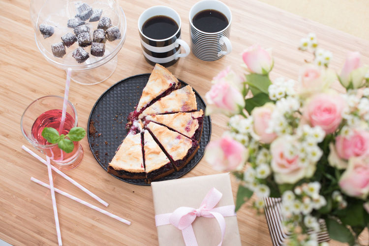 Birthday table in the kitchen. Birthday Birthday Table Cake Close-up Coffe Day Flower Fragility Freshness Home Decoration  Indulgence Kids Kitchen Kitchen Life No People Present Ready-to-eat Selective Focus Serving Size Still Life Tabel Tablecloth Wood - Material Market Reviewers' Top Picks