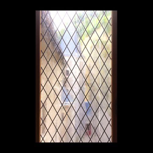 Que savions-nous de Château Gaillard à Amboise ? Tout juste ce que les arbres et les vitraux enténèbrent... EyeEm Best Shots EyeEmBestPics Window Château Gaillard Amboise Vitrail Stained Glass EyeEmbestshots