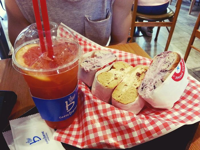 20160523 with Jun, Cafebene Benegle Bagle Blueberry Cream Cheese Desserts Grapefruit Ade Fig Cream Cheese