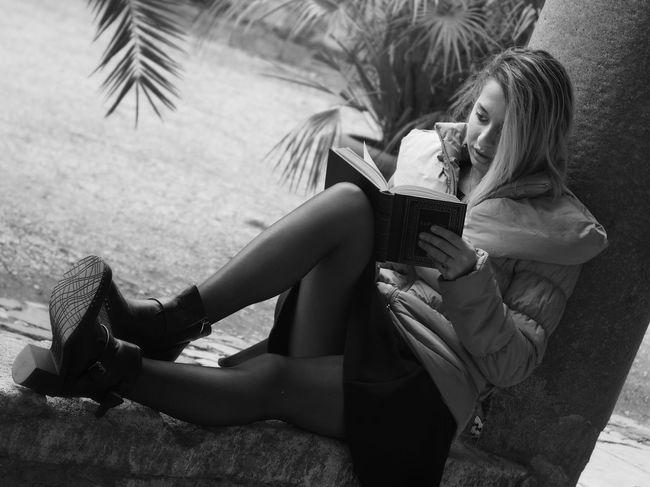 Thoughtful Beautiful Woman Young Woman Reading Reading A Book Relax Young Women Beautiful Woman Women Females Beauty Beautiful People Close-up