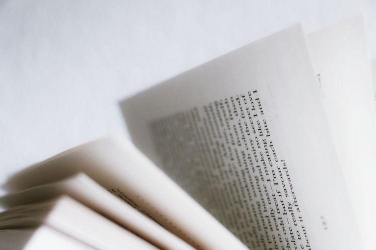 Book Reading Home Interior Bildung Kultur Simple Minimal Words Literatur Literature Cover White Background Science Healthcare And Medicine