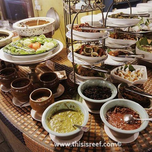 Entri terbaru saya tentang Restoran Rebung is out... Sila layari www.thisisreef.com untuk mengetahui apa yang best sangat restoran ini dari kaca mata saya... Selamat bercuti.... Thisisreef Mylifemypassionmynameisreef Dinner Restoranrebung