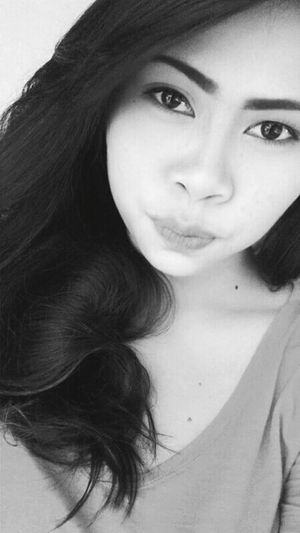 happy friday! Faces Of EyeEm Selfie Black And White TGIF ✌ Selfie ✌ Happy Fridaythe13th SoGirly Eyeem Philippines