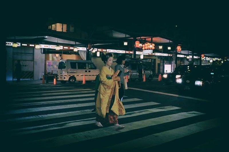 first thing off my checklist. Geishaspotted Japan Kyoto Gion Geisha Maiko 舞妓 FujiX100T Fuji