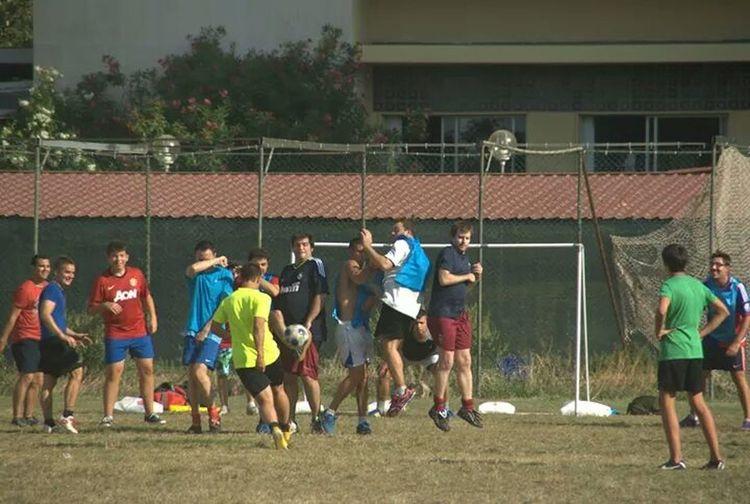 Partido de futbol Entre Los Empleados Y Los Clientes Del Hotel En La Playa De Gandia Playa De Gandia