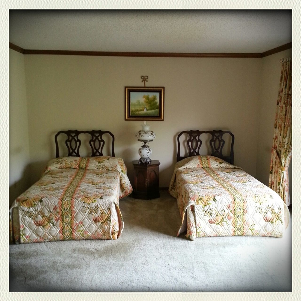 bed, bedroom, pillow, home interior, home showcase interior, indoors, absence, no people, luxury, architecture, day
