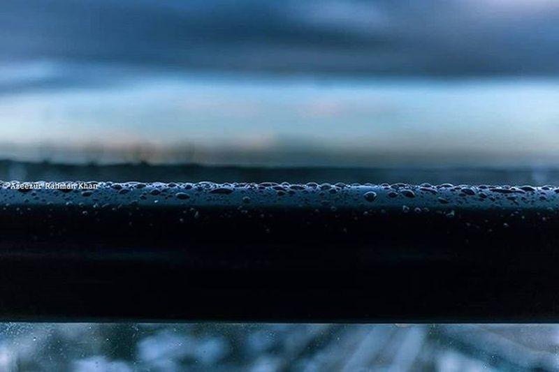 Condensing. Winter cold Blue Earthporn Abstraction One__shot__ Resourcemag Winterbeauty Throwback Waterdroplets Artphotography Abstract Macro Macrophotography Horizons MyArt Instaart Beautiful Artlovers Ukphotography Uk HemelHempstead Art Azeezkhanphotography British Culture