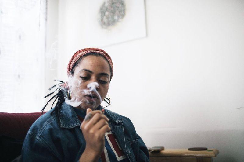 Portrait Smoke Woman Portrait Musician Portrait Photography