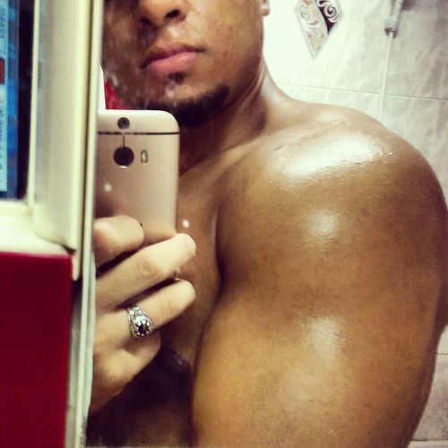 GO HARD No Pain No Gain Biceps Shoulders First Eyeem Photo