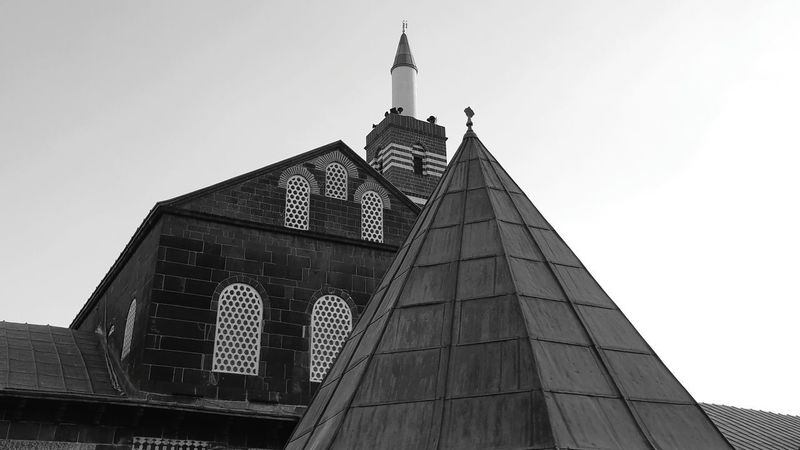 Pointy Ancient B&w Mosque City History Sky Architecture Civilization Tower
