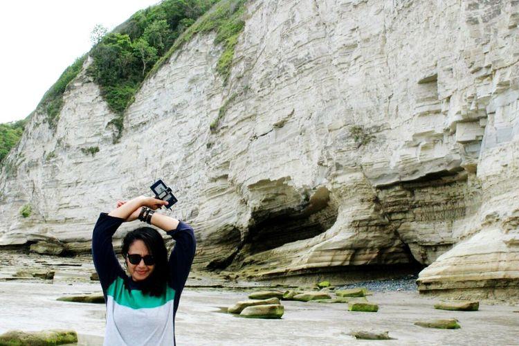 uugghhh 🙌 Pantaiworanu Woranubeach Eastsumba INDONESIA Nusatenggaratimur Sumba Timur Pulausumba Rock - Object Cliff Nature