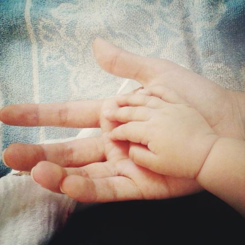 ♡ Nice Taking Photos Happy Little Litleprincess Little Girl Me Baby ❤ Babygirl Hands On