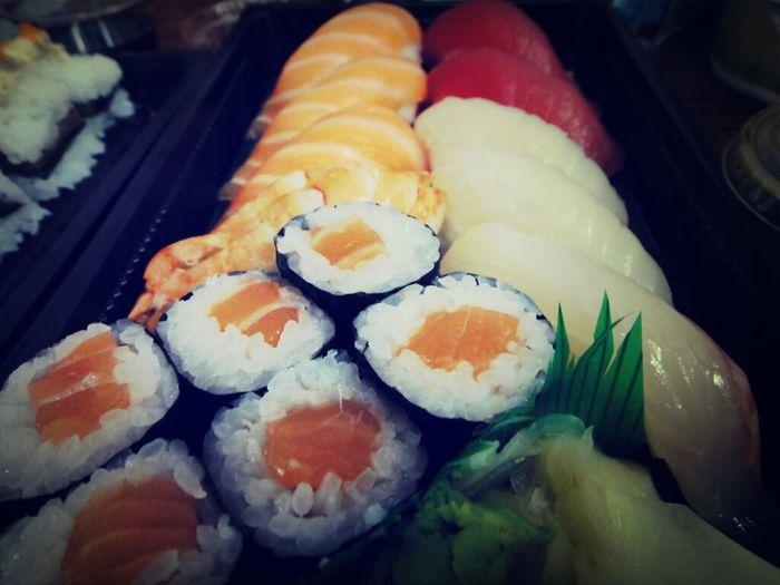 Yummy Food Sushi Food Porn Sushi Time Sushi! Asian Food Maki Makis