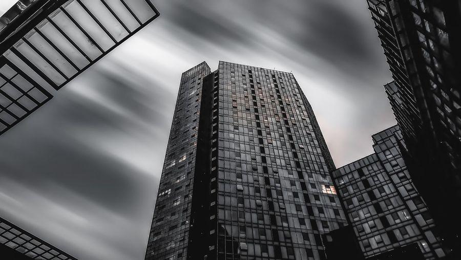 和达城 黑白 长曝光 写字楼 商务 Built Structure Architecture Building Exterior Low Angle View Building Tall - High Sky City No People Cloud - Sky Office Office Building Exterior