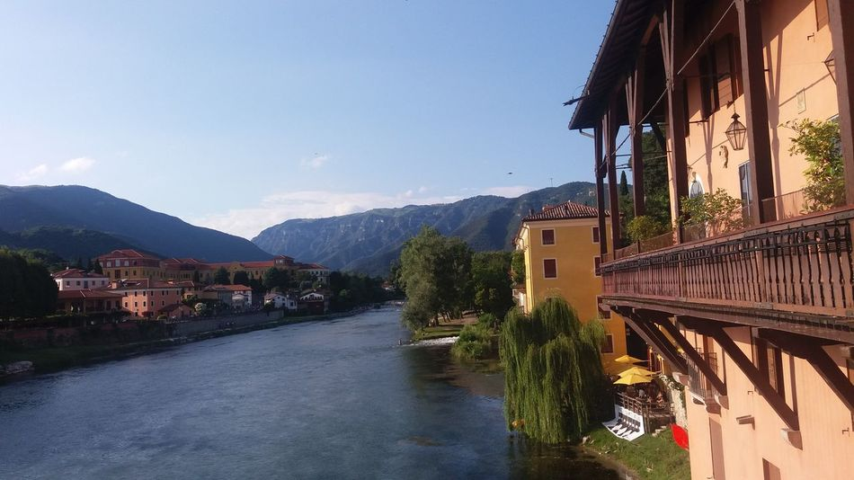 Bridge Ponte No Filter Altstadt Streetphotography Bassano Del Grappa City Center Taking Photos Italy Palazzo Building Häuser Panorama Ausblick View Fluss River Sky Mountains Berge