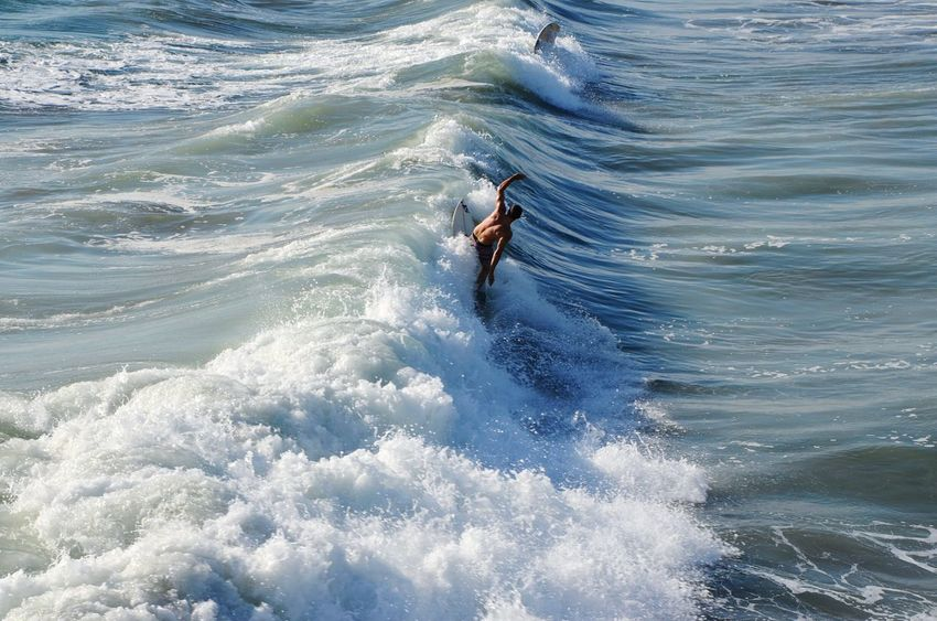 Surfing Surf Surfer Sea Waves Man Summer Water Sport Sports Water Sport Water Sports Showcase: November Surf's Up Resist Sommergefühle EyeEm Selects Done That. California Dreamin Go Higher