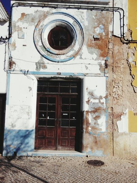Vintage Retro Styled Old Ruins Old Houses Ruins House Ruins Of Building Ruins Snapshot Ruins Of A Past Ruins_photography Ruins Architecture Streetphoto Doors Doorcollector Door Outdoors Paint Street Paint Doors Of Guatemala Doors And Windows Doors Around The World Doors And Windows Around The World Doors Lover Doors With Stories Door_series DoorsAndWindowsProject Doorsworldwide Doors From The Past