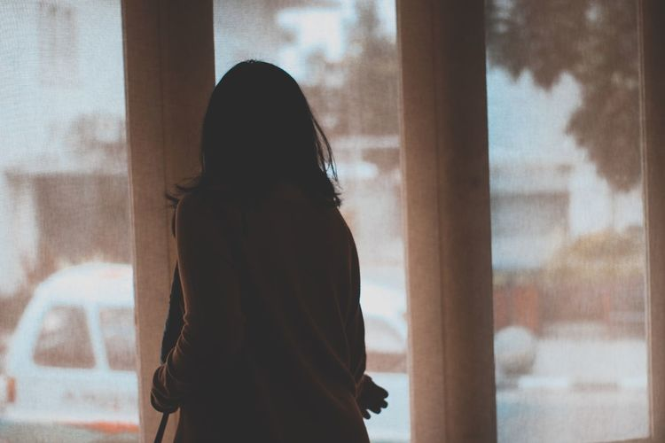 Brown Window One Person Indoors  Long Hair One Woman Only Looking Through Window Only Women Silhouette Adults Only Home Interior Adult People Day Lifestyles Women Young Adult EyeEmNewHere History The Portraitist - 2017 EyeEm Awards The Portraitist - 2017 EyeEm Awards