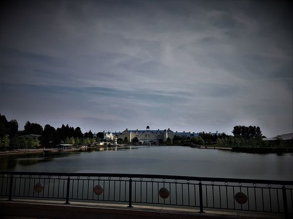 Disney's Newport Bay Club Hotel - Disneyland Resort Paris 2017 2017 2017 Year 2017 Photo 25th Anniversary Disneyland Paris DLRP France Disneyland Paris Disneyland Paris 💚🎆🗼 Disneyland Resort Paris Disneyland Resort Paris 2017 Disneyland Resort Paris 25th Anniversary Eurodisney France Paris, France  Travel Photography Architecture Day Disneyland Paris 25 Disneylandparis Eurodisneyland Nature No People Outdoors Sky Tree Water