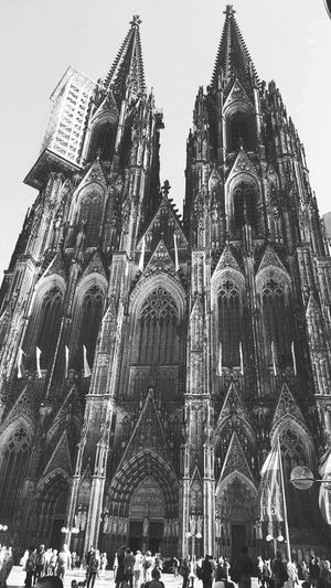 Travel Destinations Tourism Architecture History Place Of Worship Religion Vacations Building Exterior People Eye4photography  EyeEm Selects From My Point Of View GERMANY🇩🇪DEUTSCHERLAND@ Flashback Architecture Gothic Architecture Gothic Church Gothic Cathedral