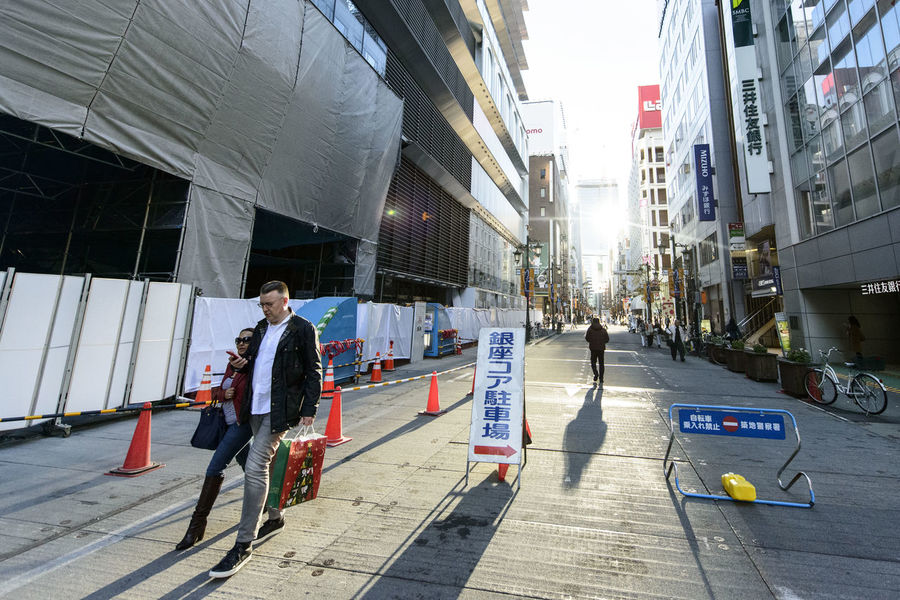 Adult Adults Only Architecture Building Exterior Built Structure Candid City City Life City Street Couple Day Friendship Full Length Ginza Men Only Men Outdoors People Real People Shadows Street Street Photography Togetherness Two People Urban Road