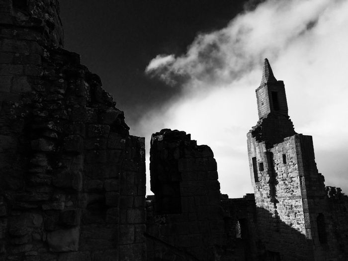 Warkworth Castle Blackandwhite History Castles Ruins Gothic
