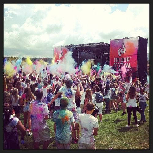 Colourfest2014 SA Awesome Colourthrow powder colours drop throw great