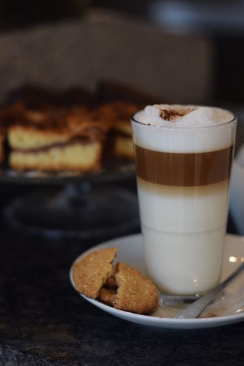 Latte Art Latte Coffee And Cake Cookie Coffee Food And Drink Coffee - Drink Coffee Cup Warstwowe Latte Kawa Frothy Drink Kawiarnia Dark Photography Autumn Mood