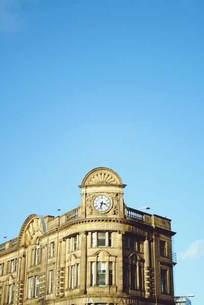 Watch The Clock Hello World The Tourist Manchester 2016 Cityscape Clock Tower Clockporn Clouds And Sky Welcomeweekly The Tourist