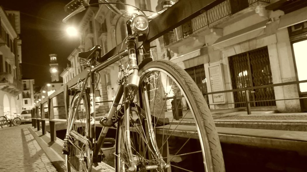 Night Illuminated Black & White Bicycles City Outdoors Travel Destinations Sepia Fotografia Fotoshooting FotoDelDia LumixG80 First Eyeem Photo
