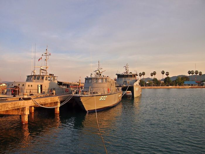 Ships, pier and morning light – Pier Seashore Sky And Cloud Morning Lights No People Outdoors Photography Sea Ship Transportation Vessel Water