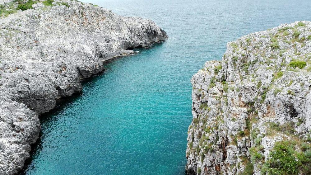 Apúlia Puglia South Italy Canale Del Ciolo Ponte Ciolo Mare Adriatico Mar Ionio Adriatic Sea Ionic Sea Cliffview Cliff Top Cliffside View Aquamarine Sea Travel Destinations Tranquility Tranquil Scene Rock - Object