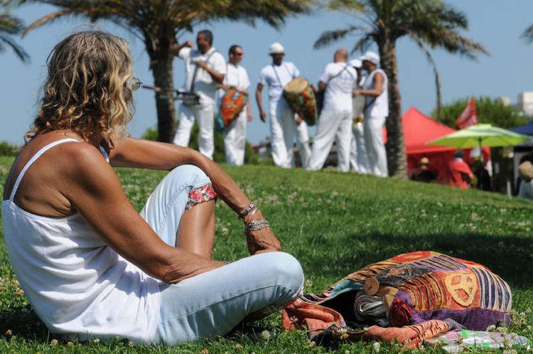 Cuba libre Cuba Musicians SudDeFrance Fete Concert Nikon Woman Peaceful Moment White