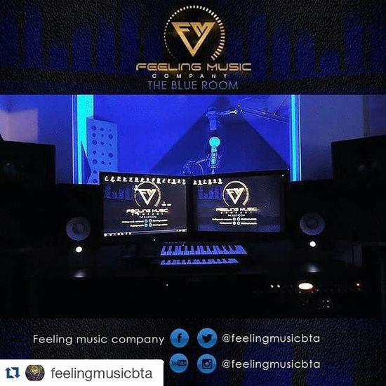 Repost @feelingmusicbta ・・・ Feelingmusiccompany Feeling music abre sus puertas hace 5 años de los cuales los ultimos 3 hemos estado registrados por cámara de comercio, desde el 2014 realizamos los registros de nuestros artistas con derechos de autor y sayco, contamos con dos productores musicales (beatmaker, vocal producer), diseñador grafico, web management, jefe de prensa, community manager en Lima y NY Si quieres trabajar con Losmejores y primeros de Bogotá COMUNICATE!! Wsp: 316 694 7865 Cel: 300 483 5047 A finales de Julio si estas en Perú podras trabajar con nosotros Theblueroom Feelingmusic Studio Bogotá Colombia Musicalproduction Music Recording Singer  @javier_elnene @gangstatco @ganstervidgroup @yazzygram @julianrodriguezr11 @moratonanis @jotakonsul @carrilloproduciones @babygmusica Feelingteam Fmc Marketing Network Creative