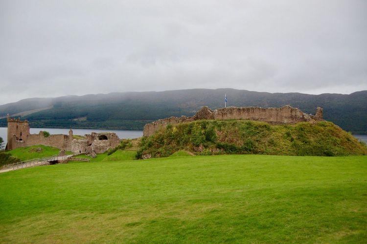 Architecture Built Structure Building Exterior Grass History Castle Medieval Escocia Viajar Viaje Tourist Inverness Travel City Viajando Travel Destinations