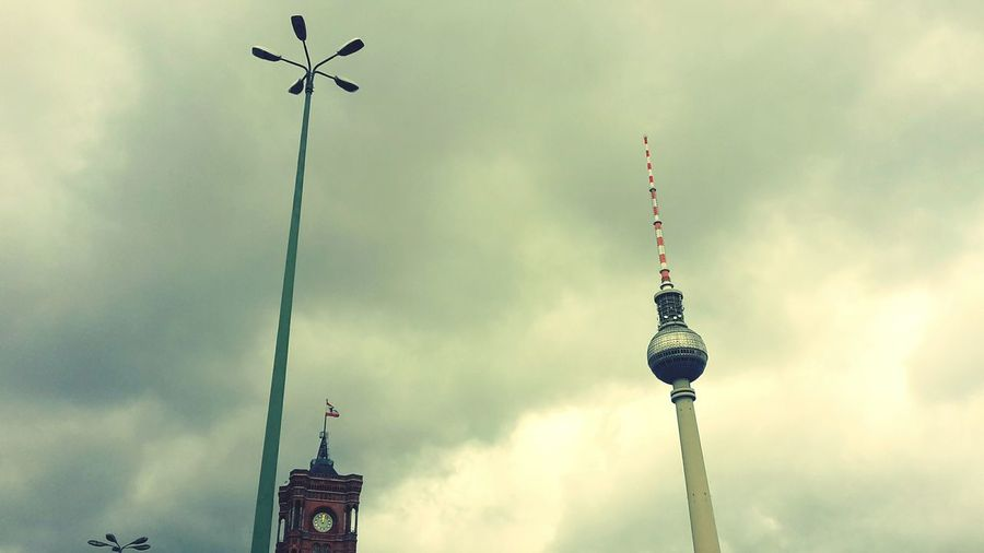 Clouds And Sky Skyporn Rotes Rathaus Fernsehturm Berlin  Berliner Ansichten Berlin Berlin Mitte My Fuckin Berlin Mobile Photography Street_lights