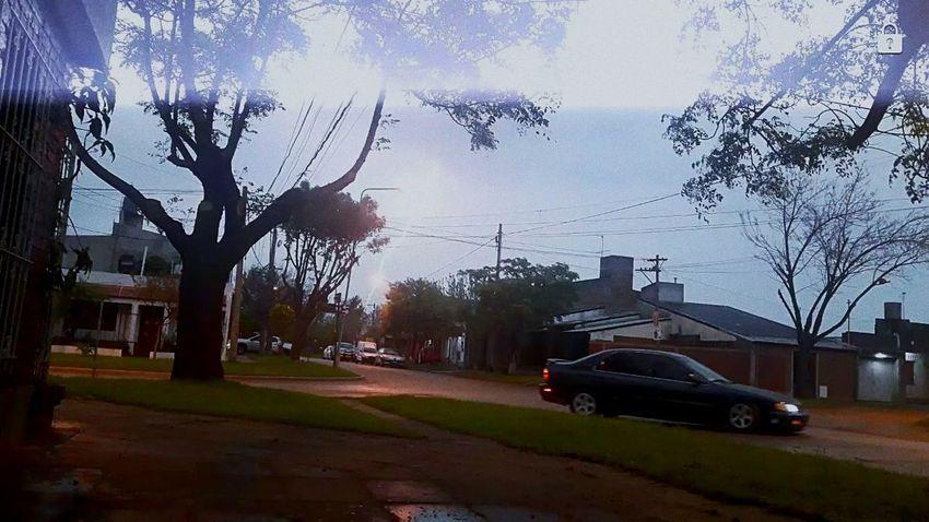 ⚡❤Rayo❤⚡ Rayo Rain Storm Tormenta ⚡ Car Tree Street Road Transportation Architecture City
