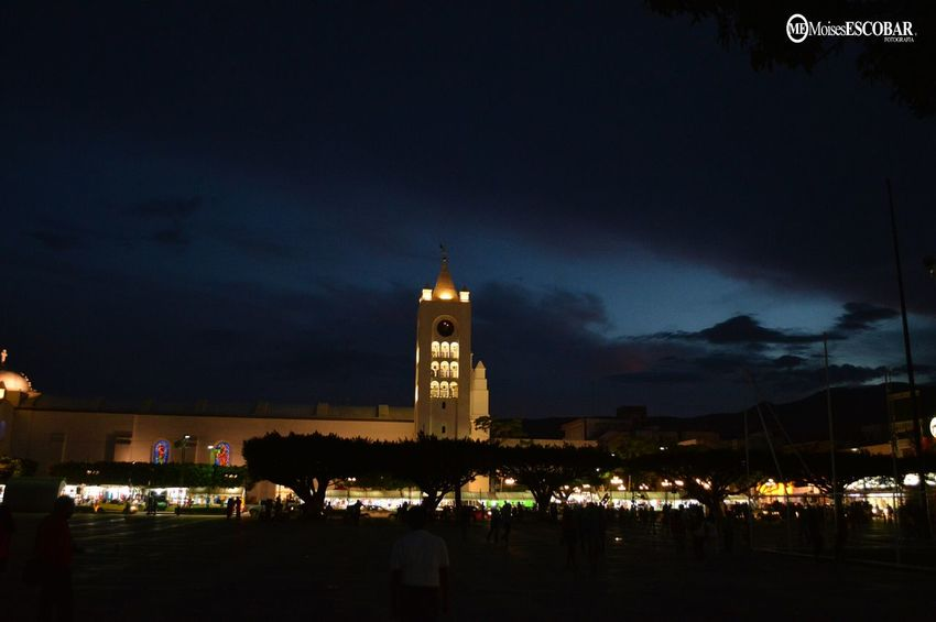 Luces de mi ciudad... Clouds And Sky Streetphotography People Watching Traveling
