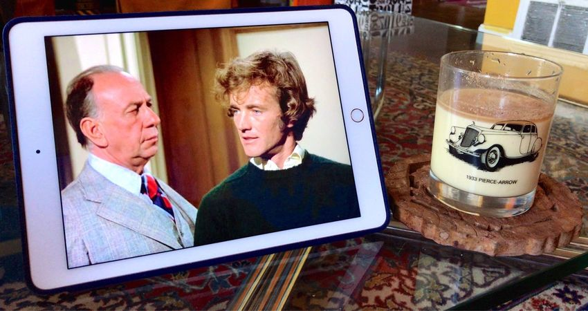 Full Frame Jose Ferrer Columbo Two People Koduckgirl Watching Columbo Iphone7 Eggnog Robert Walker Jr Tvshow Ipad