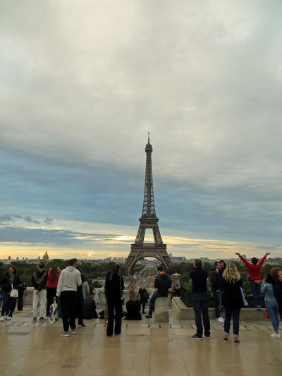 Evening View Fun Happiness Love Romantic Romantic City Tour D'Eiffel Tour De Eiffel Tourist Tourist Attraction  Tourists Trocadero At Night Eiffelturm Evening Evening Sky Illuminated Illumination Leisure Activity Leisure Time Night Selfies Sunset Tourist Destination Young People