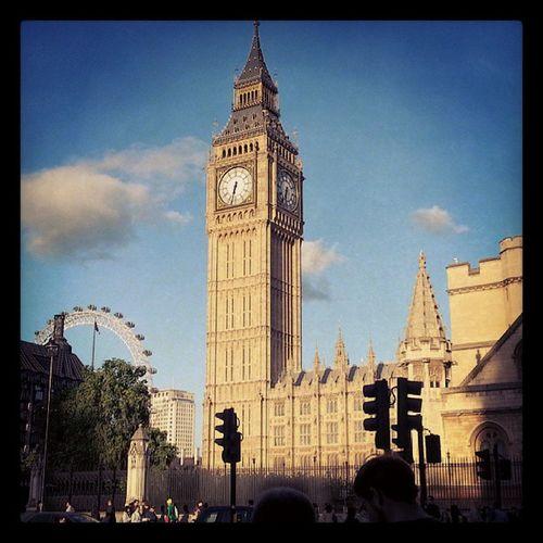 London LondonEye Bigben ParliamentSquare HousesOfParliament