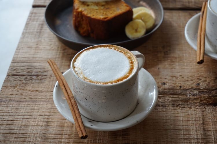Cake Cinnamon Cup Coffee Time Cafe Coffee Latte Cappuccino Table Food And Drink Freshness Coffee Cup Refreshment Indoors  Plate Coffee - Drink Food Drink No People Close-up Ready-to-eat