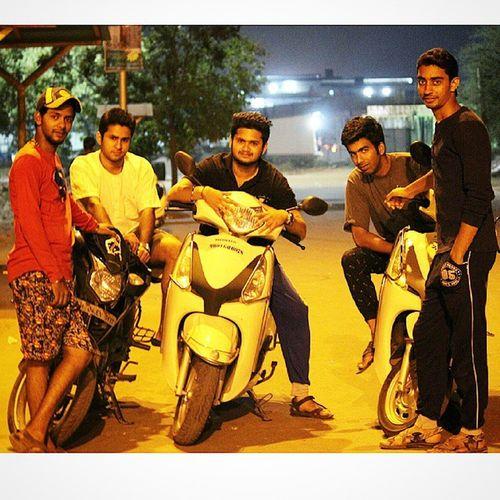 My Gang on shot 📷📷🎬🎬🎬 P .C- @shaggy93i thanxx fuh click