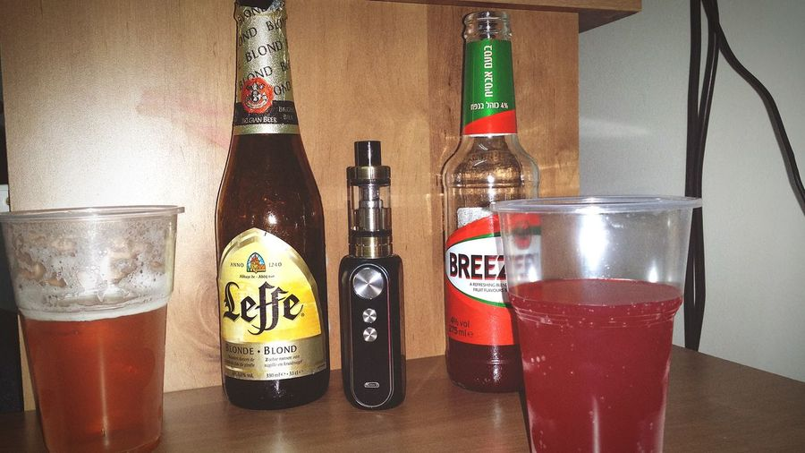 Night Cheers Close-up Drink Brizer Vape Close-up