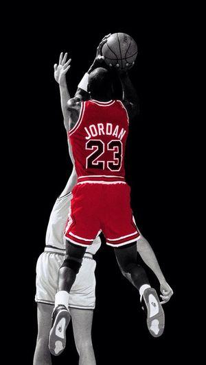 Les mecs jouent au Foot, les Hommes jouent au Rugby et les Dieux jouent au Basketball. Basketball Michael Jordan Sport Magic