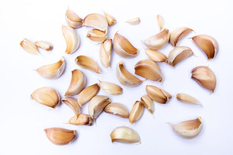 Garlic cloves (