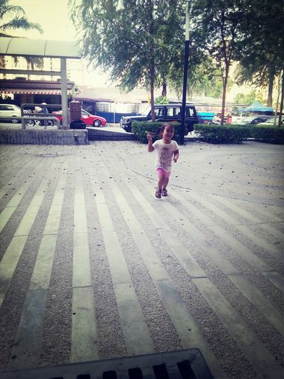 HollyCrowle Centrio Toddler