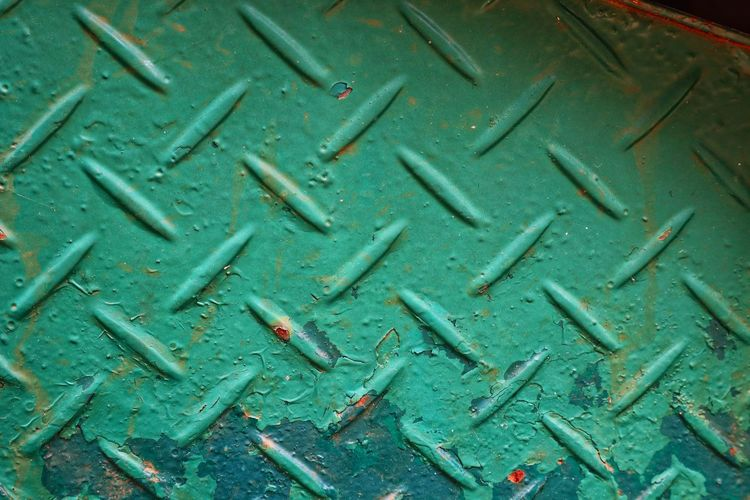 Full Frame Textured  Text Close-up Green Color RainDrop Monsoon Capital Letter Written Dew Rainy Season Sheet Metal Plastic Torrential Rain Rain Backgrounds Board Western Script Alphabet Rainfall Wet Drop Blade Of Grass Information